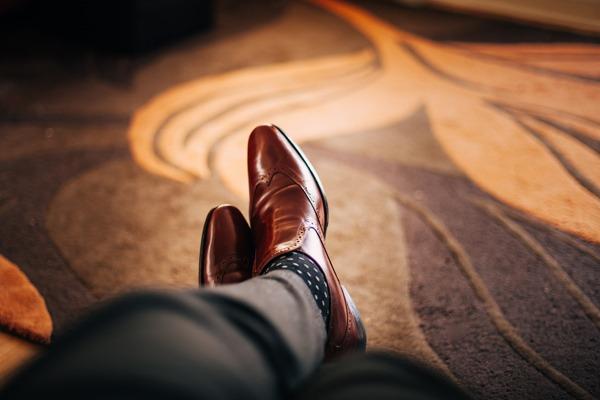 chaussure en cuir patiné